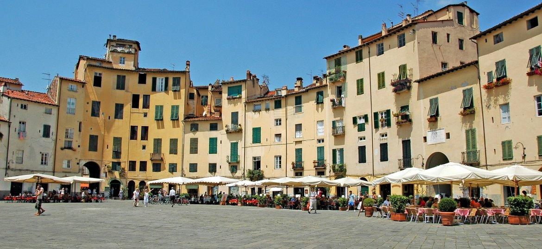 piazza-anfiteatro-lucca-348488_1920
